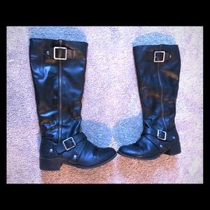 Shoes - 5/$25 Black knee high riding boots size 7